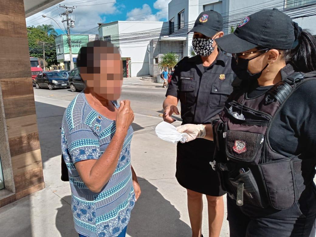 Prefeitura de Araruama faz a distribuição gratuita de máscaras para população carente
