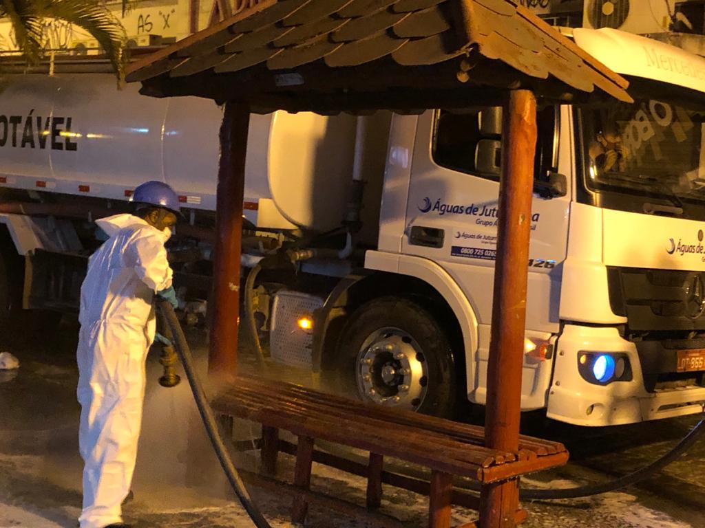 Ruas do Centro de Araruama recebem serviço de lavagem