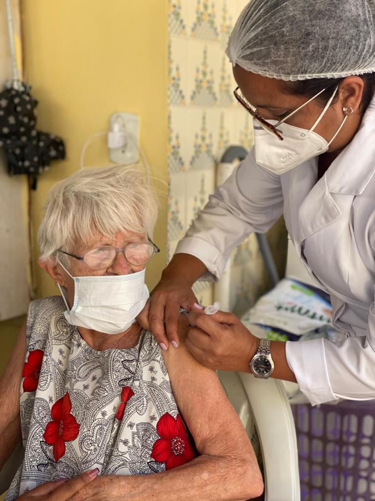 Prefeitura de Araruama avança na vacinação contra a Covid-19