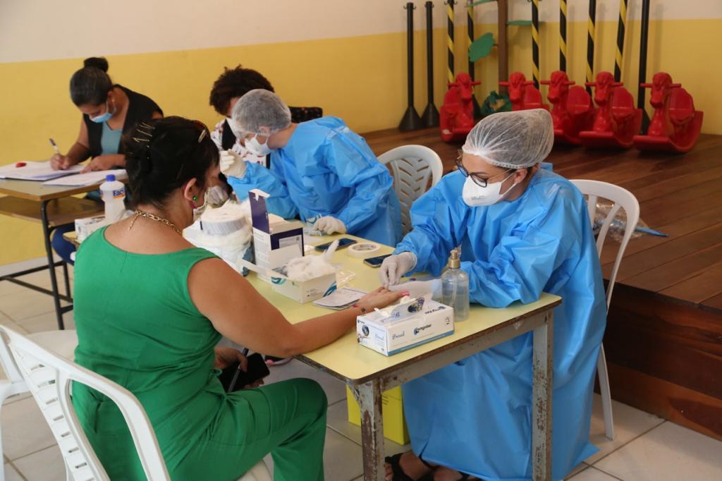 Araruama realiza testagem para Covid-19 em profissionais da Educação que voltarão às aulas presenciais
