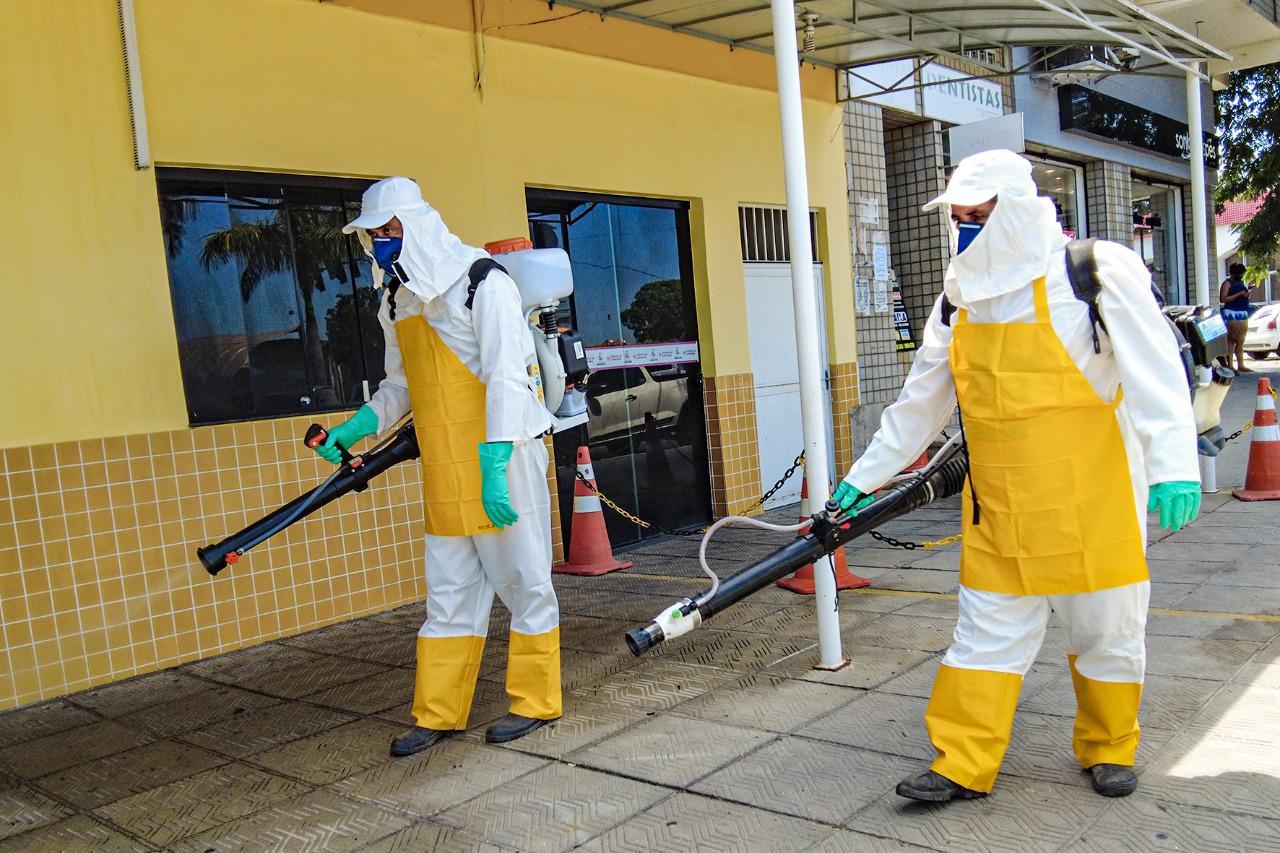 Prefeitura de Araruama realiza desinfecção de ruas e locais públicos de maior movimentação