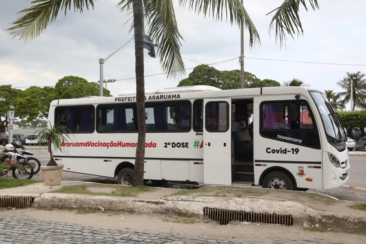 Prefeitura de Araruama disponibiliza ônibus para ajudar na vacinação contra a Covid-19