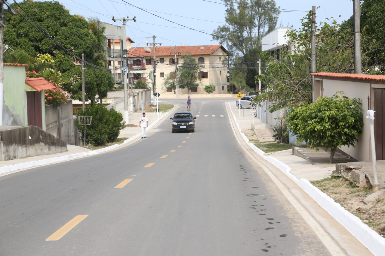 Prefeitura de Araruama entrega obras de asfaltamento no bairro Paraty